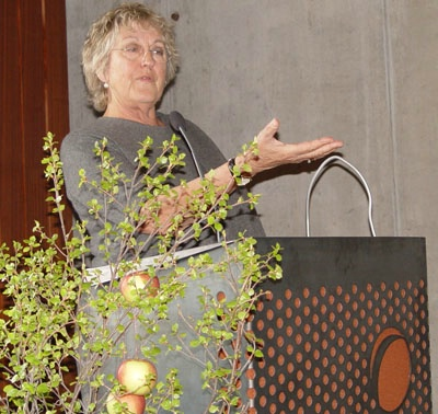 Germaine Greer á Tengslaneti  III